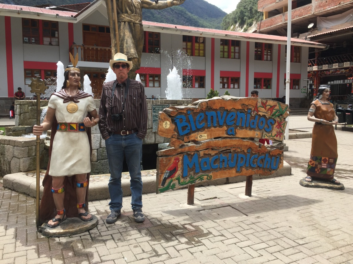Ollantaytambo to Aquas Calientes – Monday, October 31, 2016